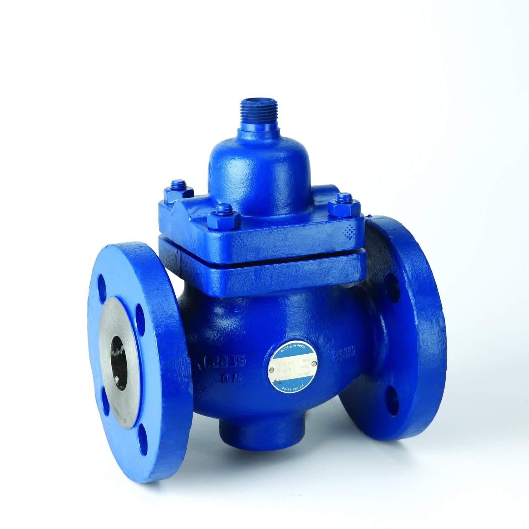 Self-acting temperature control valve with 2-port valves